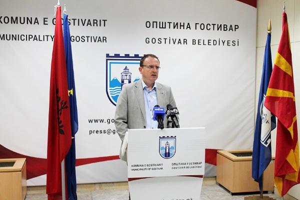 Në kohë pandemie i bllokohet llogaria Komunës së Gostovarit  Taravari akuzon një parti politike