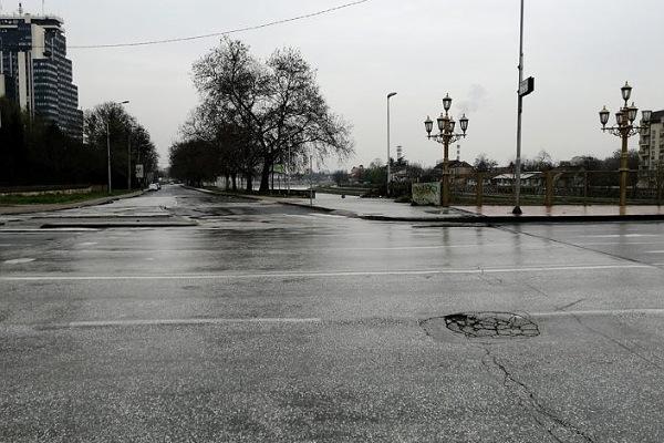 Shkupi i boshatusir gjatë orës policore në fundjavë